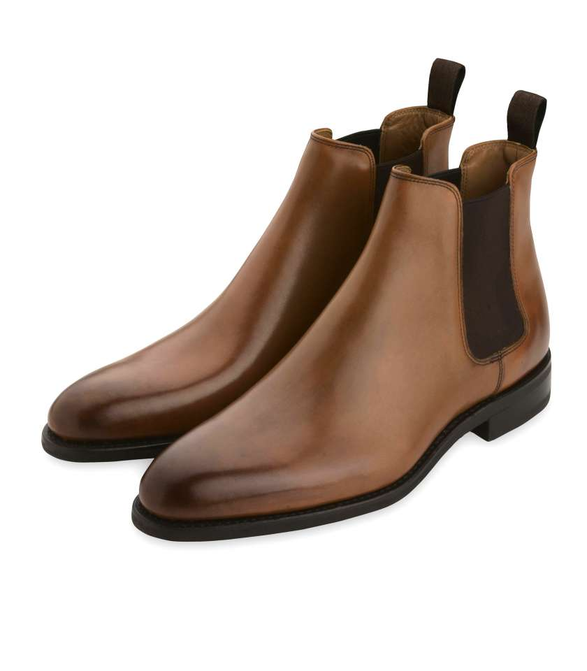Chelsea boots in gold leather, Goodyear welted.